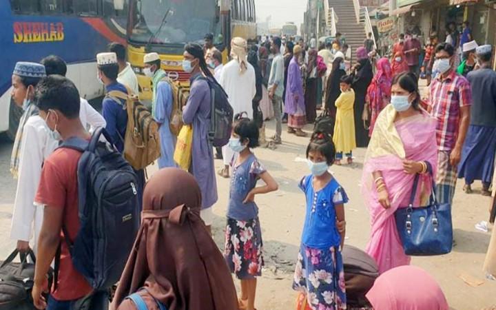 ঢাকা-টাঙ্গাইল মহাসড়কে বাড়ি ফেরা মানুষের ভিড়