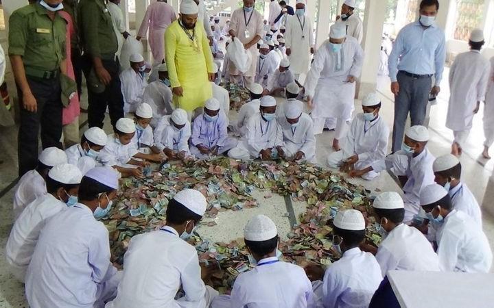 পাগলা মসজিদ: দানবাক্সে মিললো দুই কোটি ৩৩ লাখ টাকা, চার কেজি সোনা-রূপা