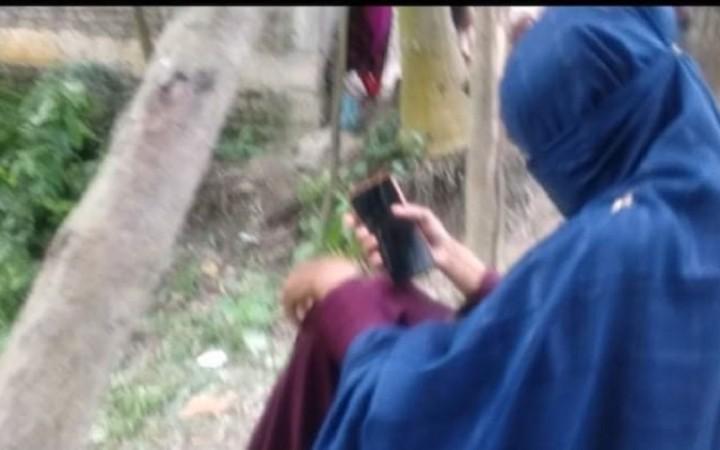 কালিহাতীতে বিয়ের দাবিতে বাড়িতে ছাত্রীর অনশন, প্রেমিক পলাতক