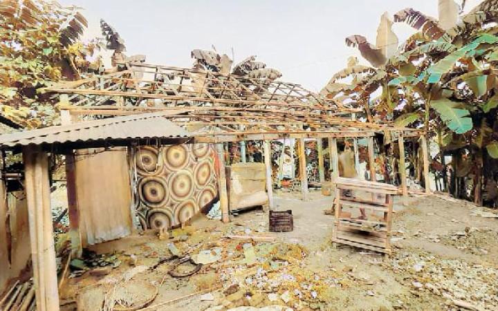 মির্জাপুরে মাদকের টাকা জোগাতে ঘরের টিন বিক্রি