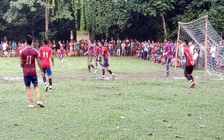 মধুপুরে ফুটবল টুর্নামেন্টে গেচ্চুয়া একাদশ চ্যাম্পিয়ন